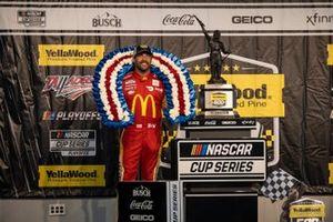 Бубба Уоллас, 23XI Racing, Toyota Camry McDonald's