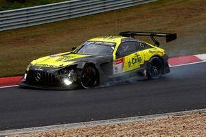 #9 Mercedes-AMG Team GetSpeed Mercedes-AMG GT3: Fabian Schiller, Maximilian Götz, Maximilian Buhk, Raffaele Marciello after the crash