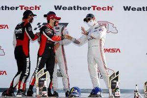 #7 Acura Team Penske Acura DPi, DPi: Helio Castroneves, Ricky Taylor, podium, #31 Whelen Engineering Racing Cadillac DPi, DPi: Pipo Derani, Felipe Nasr