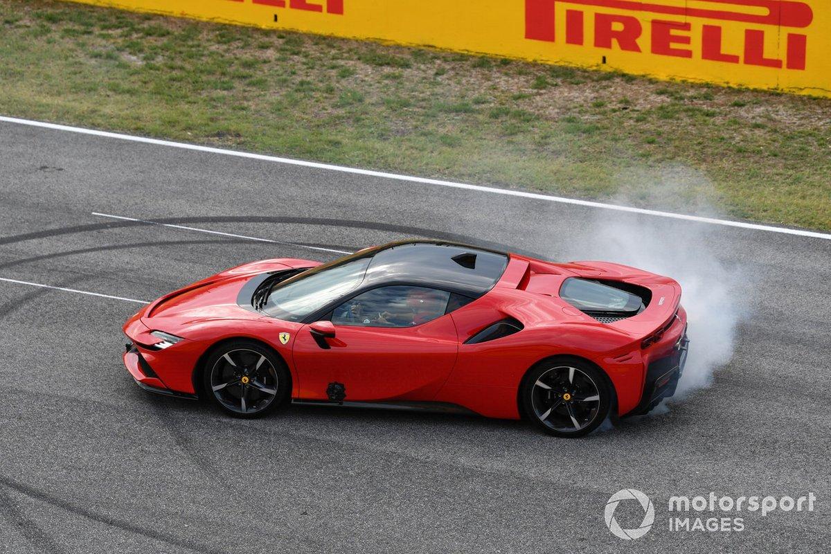 Sebastian Vettel, Ferrari, in una SF90 Stradale