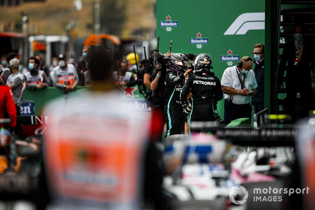 Race Winner Lewis Hamilton, Mercedes-AMG F1 and Valtteri Bottas, Mercedes-AMG F1 celebrate in Parc Ferme