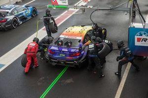 Timo Glock, BMW Team RMG, BMW M4 DTM, Pit stop