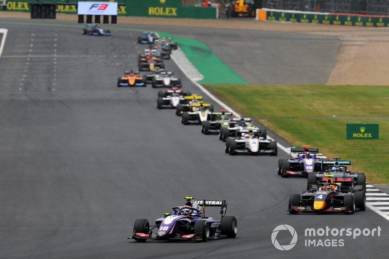 Pedro Piquet, Trident leads Liam Lawson, MP Motorsport