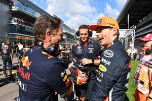 Christian Horner, Team Principal, Red Bull Racing, and Max Verstappen, Red Bull Racing, on the grid