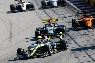 Logan Sargeant, Carlin Buzz Racing e Ye Yifei, Hitech Grand Prix