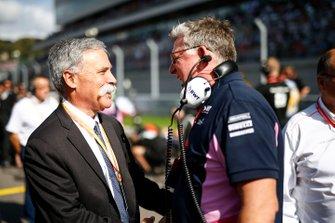 Chase Carey, voorzitter Formule 1, en Otmar Szafnauer, Teambaas en CEO, Racing Point