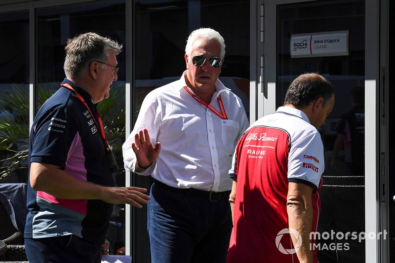 Otmar Szafnauer, Team Principal e CEO, Racing Point, Lawrence Stroll, Proprietario, Racing Point, e Frederic Vasseur, Team Principal, Alfa Romeo Racing