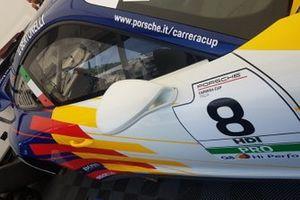 Dettaglio della Porsche di Diego Bertonelli, Dinamic Motorsport, nel garage