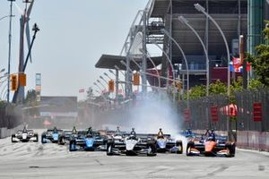 Simon Pagenaud, Team Penske Chevrolet leads at race start