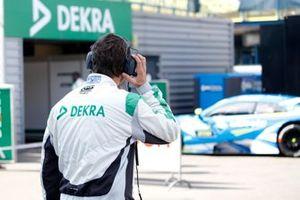 Control técnico DMSB, con Robin Frijns, Audi Sport Team Abt Sportsline, Audi RS5 DTM