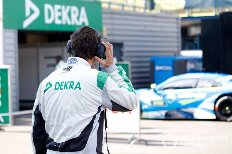 DMSB technical control, with Robin Frijns, Audi Sport Team Abt Sportsline, Audi RS5 DTM