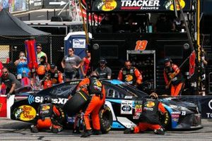 Martin Truex Jr., Joe Gibbs Racing, Toyota Camry Sirius XM pit stop