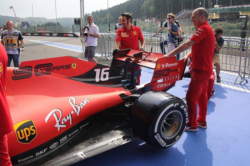 Detalle trasero del Ferrari SF90