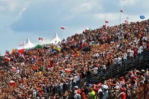 Un enorme pubblico sulle gradinate al Pre-gara del GP d'Ungheria