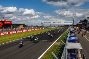 Start der Supersport-300-Klasse in Donington