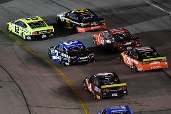 Ryan Blaney, Team Penske, Ford Mustang Menards/Richmond, Matt DiBenedetto, Leavine Family Racing, Toyota Camry Toyota Express Maintenance
