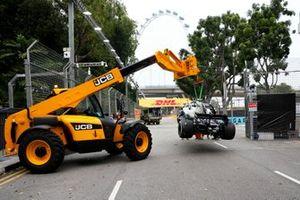 El coche accidentado de Valtteri Bottas, Mercedes AMG W10