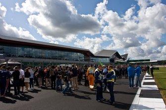 Atmosfera sulla griglia alla gara di Silverstone