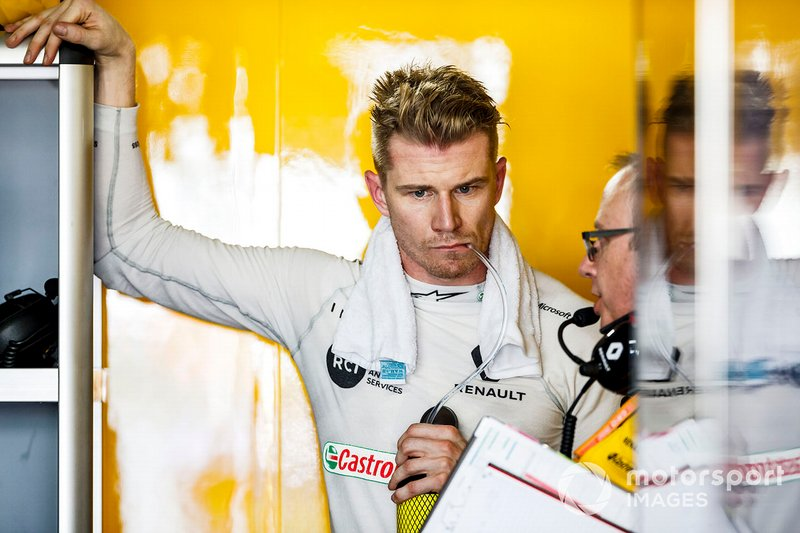 Nico Hulkenberg, Renault F1 Team, in the garage