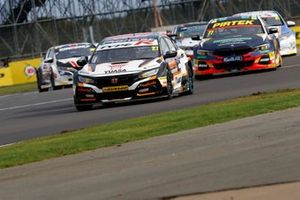 Dan Cammish, Halfords Yuasa Team Dynamics Honda Civic, Andrew Jordan, WSR BMW