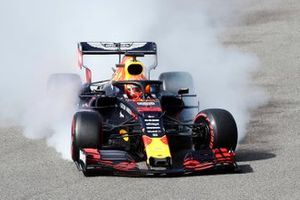 Max Verstappen, Red Bull Racing RB15, crashes