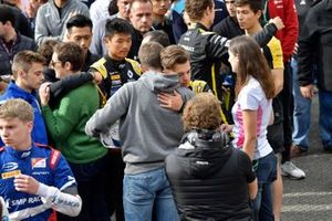 Brother of Anthoine Hubert, hugs Max Fewtrell, ART Grand Prix