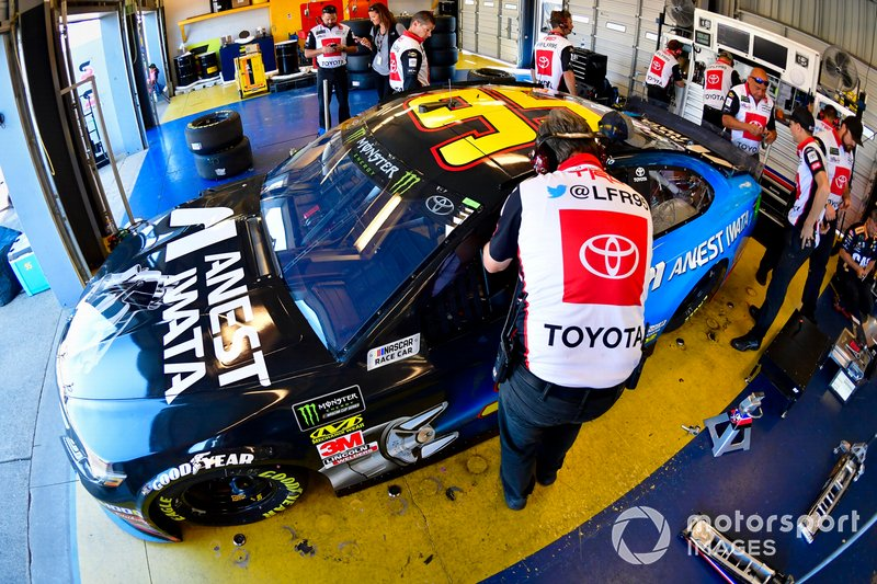 Matt DiBenedetto, Leavine Family Racing, Toyota Camry Anest Iwata
