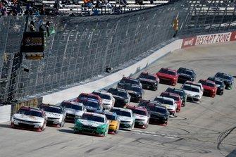 Justin Allgaier, JR Motorsports, Chevrolet Camaro Northeastern Supply and Austin Cindric, Team Penske, Ford Mustang MoneyLion