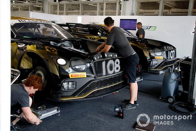 #108 Bentley Team M-Sport Bentley Continental GT3: Andy Soucek, Maxime Soulet, Sebastian Morris