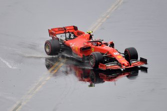 Charles Leclerc, Ferrari SF90, loses control of his car