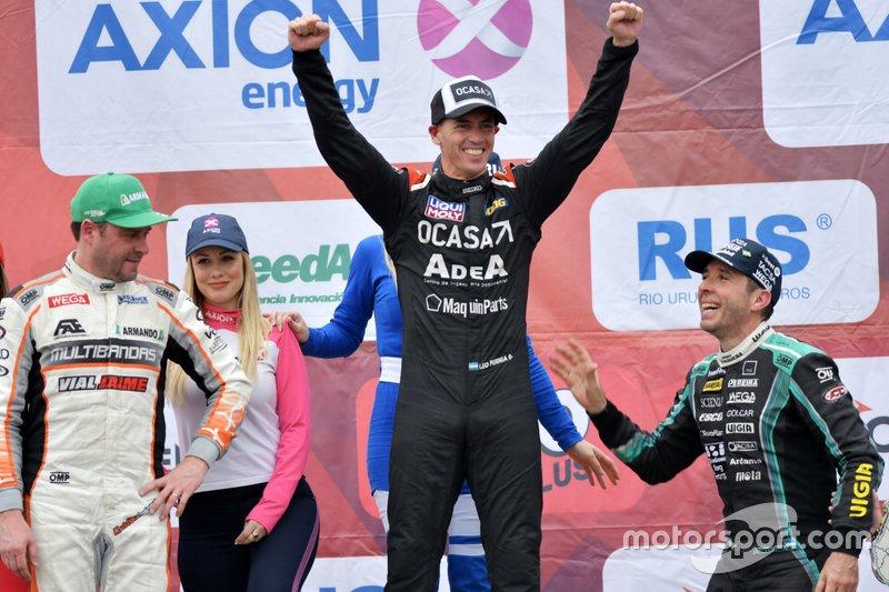 Podio: ganador Leonel Pernía, Maquin Parts Racing; segundo lugar Christian Ledesma, Las Toscas Racing y el tercer lugar Juan Manuel Silva, .G. Racing S.A.