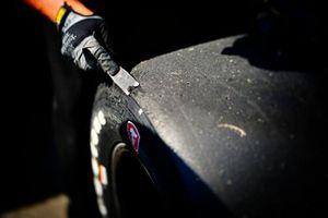 Un pneu de Josef Newgarden, Team Penske Chevrolet