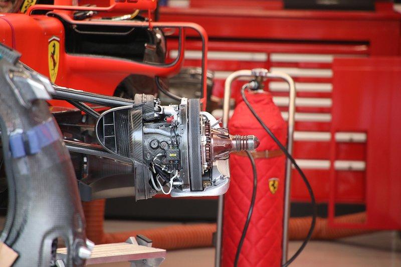 Ferrari SF90, dettaglio del freno