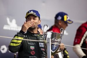 Podio AM: #98 Aston Martin Racing Aston Martin Vantage AMR: Darren Turner