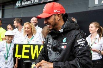 Lewis Hamilton, Mercedes AMG F1, prima posizione, festeggia