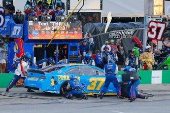Chris Buescher, JTG Daugherty Racing, Chevrolet Camaro Planters pit stop