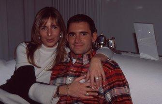 Gianni Morbidelli con su esposa