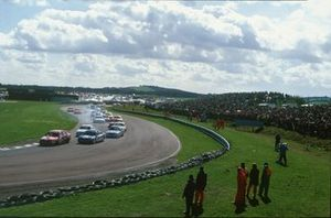 Gabriele Tarquini, Alfa Romeo 155 TS, leads the field at the start