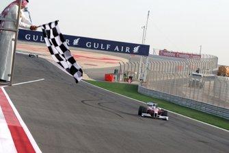 Jarno Trulli, Toyota TF109 taglia il traguardo