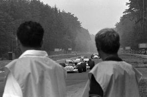 John Surtees, Surtees TS7, Henri Pescarolo, Matra MS120