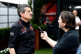 Guenther Steiner, Team Principal, Haas F1, parle à la presse