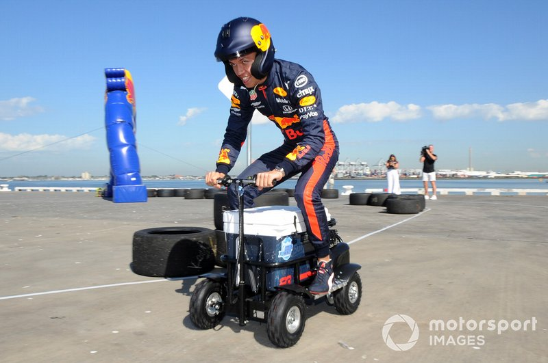 Alex Albon, Red Bull Racing lors d'un événement Red Bull à St Kilda