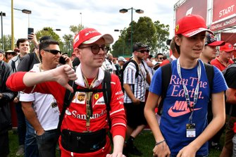 Les spectateurs réagissent à l'annulation du Grand Prix