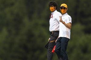 Lando Norris, McLaren cammina sul tracciato