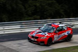 #679 BMW M240i Racing Cup: Daniel Harper, Neil Verhagen