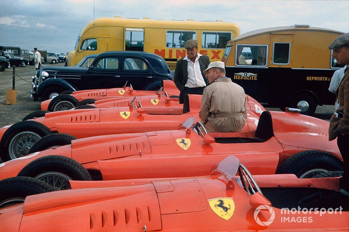 Ferrari и Maserati прибыли на этап в сильнейшем составе, имея по четыре-пять машин и поддерживая еще несколько – как принято говорить в наши дни – полузаводских