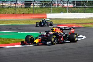 Max Verstappen, Red Bull Racing RB16, Valtteri Bottas, Mercedes F1 W11
