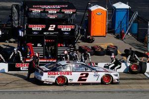 Брэд Кеселовски, Team Penske, Ford Mustang, на пит-стопе