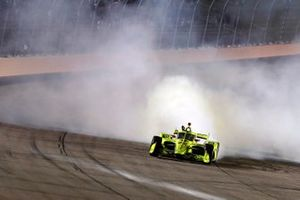 Simon Pagenaud, Team Penske Chevrolet makes the donuts