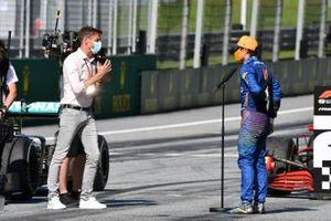 Lando Norris, McLaren met Jenson Button